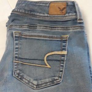 American Eagle Sz 8 Kick Boot Super Stretch  jeans